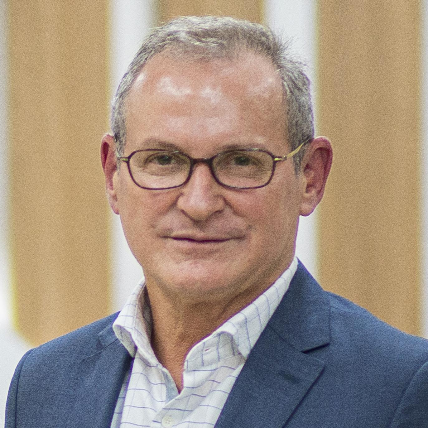 Professor Alexandre Nunes Theodoro